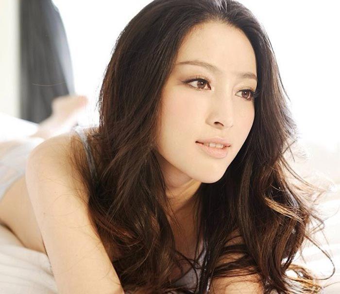 Name:  Photo of beautiful Chinese lady.jpg Views: 243 Size:  52.0 KB